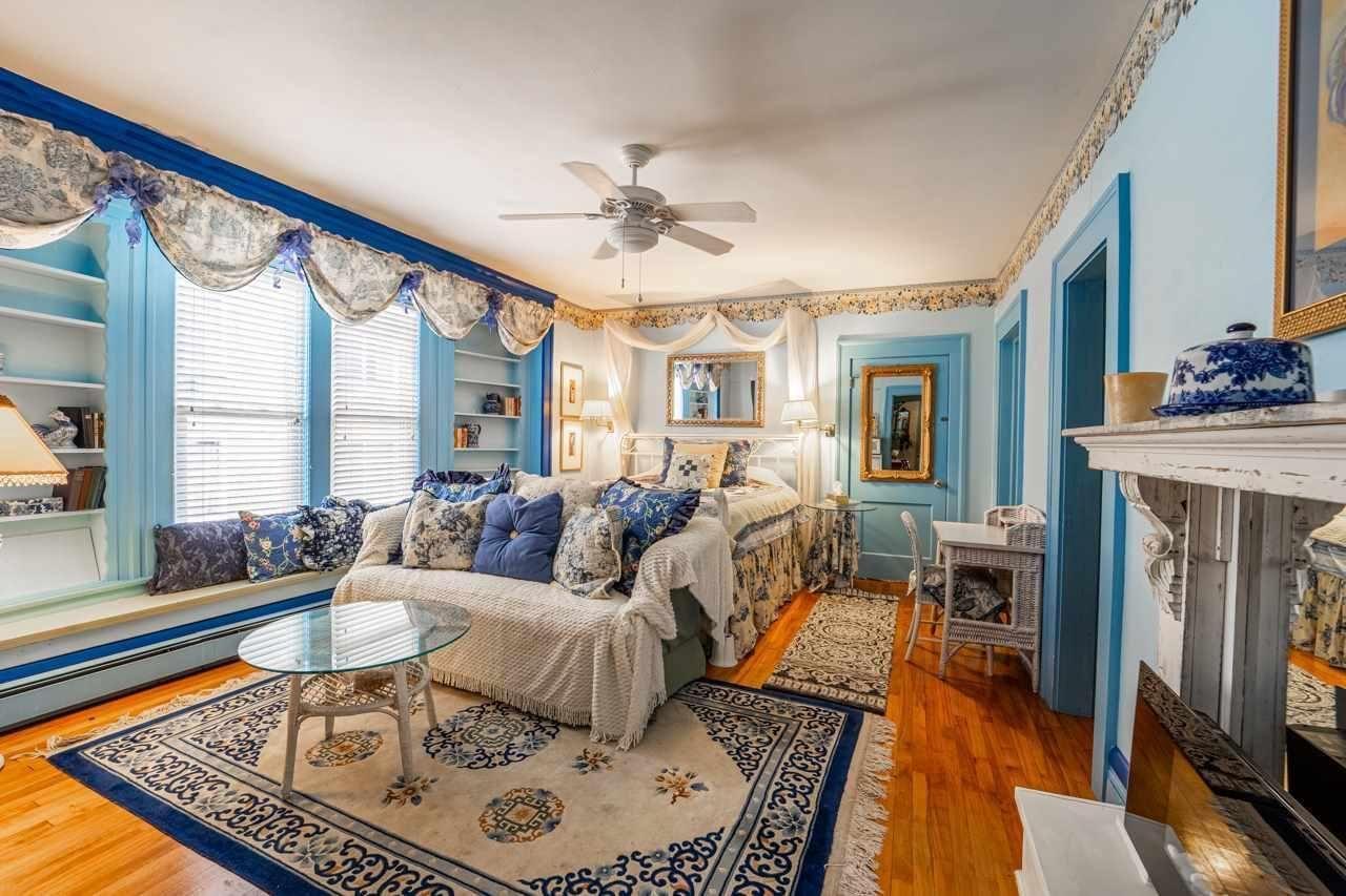 300 W Prospect Ave Appleton Wi 54911 Living Room Loft Bedroom