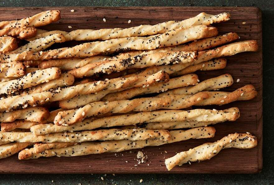 Thin N Crunchy Italian Breadsticks Grissini Recipe Cheese Bread Sticks Breadsticks Cheesy Breadsticks
