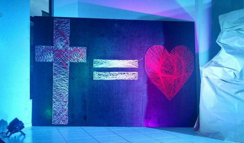Cross Love Painel Made With Nails And Strings Painel De Cruz