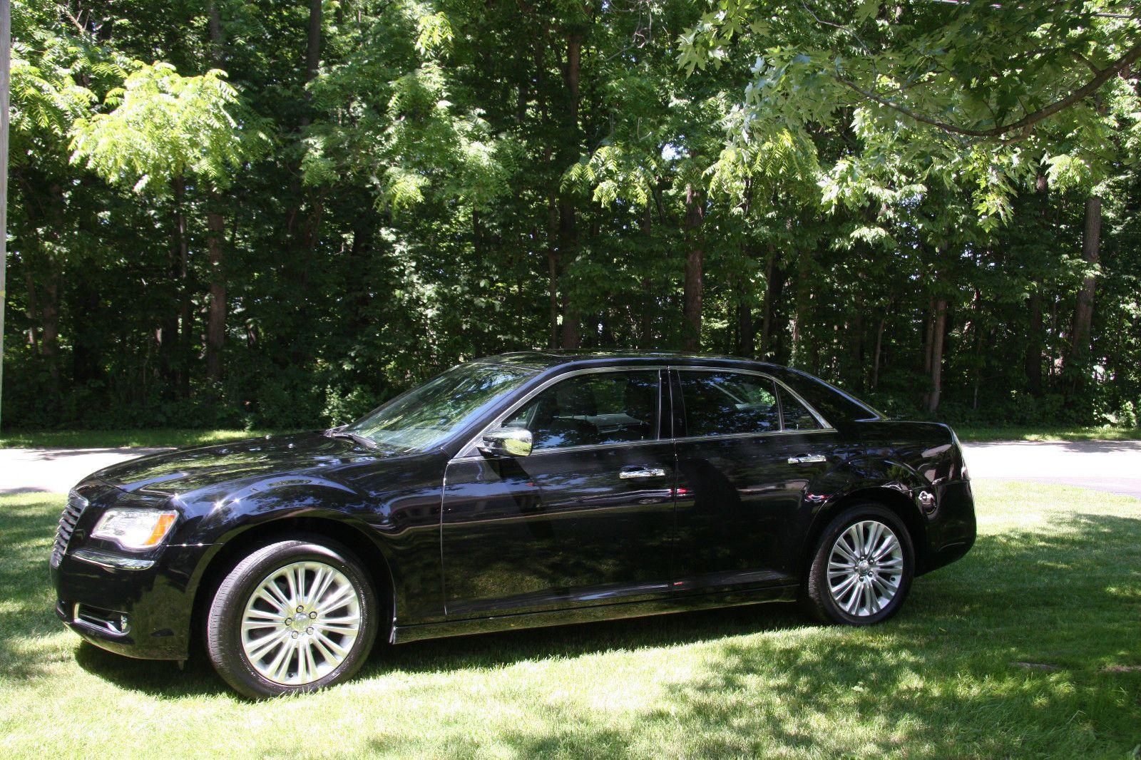 Car Brand Auctioned Chrysler 300 C Sedan 4 Door 2013 Car Model