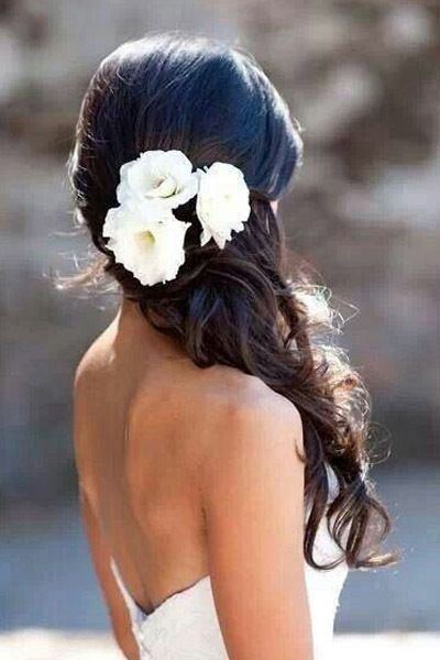 Wedding hair ideas you can do yourself weddings and bridal hair wedding hair ideas you can do yourself stylecaster solutioingenieria Images