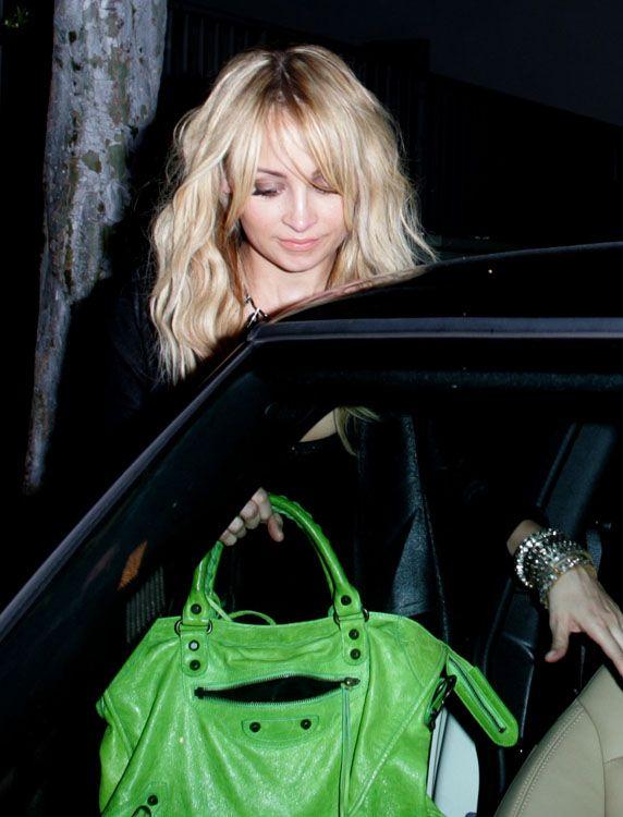 cc8e6cb2da3 Balenciaga Apple Green City Bag | Handbags I love | Balenciaga bag ...