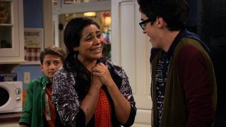 Watch Liv and Maddie Season 2 Episode 17 - Prom-a-Rooney