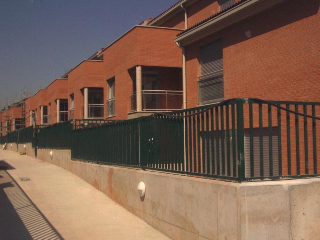 #Edificios #Rustico #Exterior #Fachada #Vidrio #Barandillas #Ventanas
