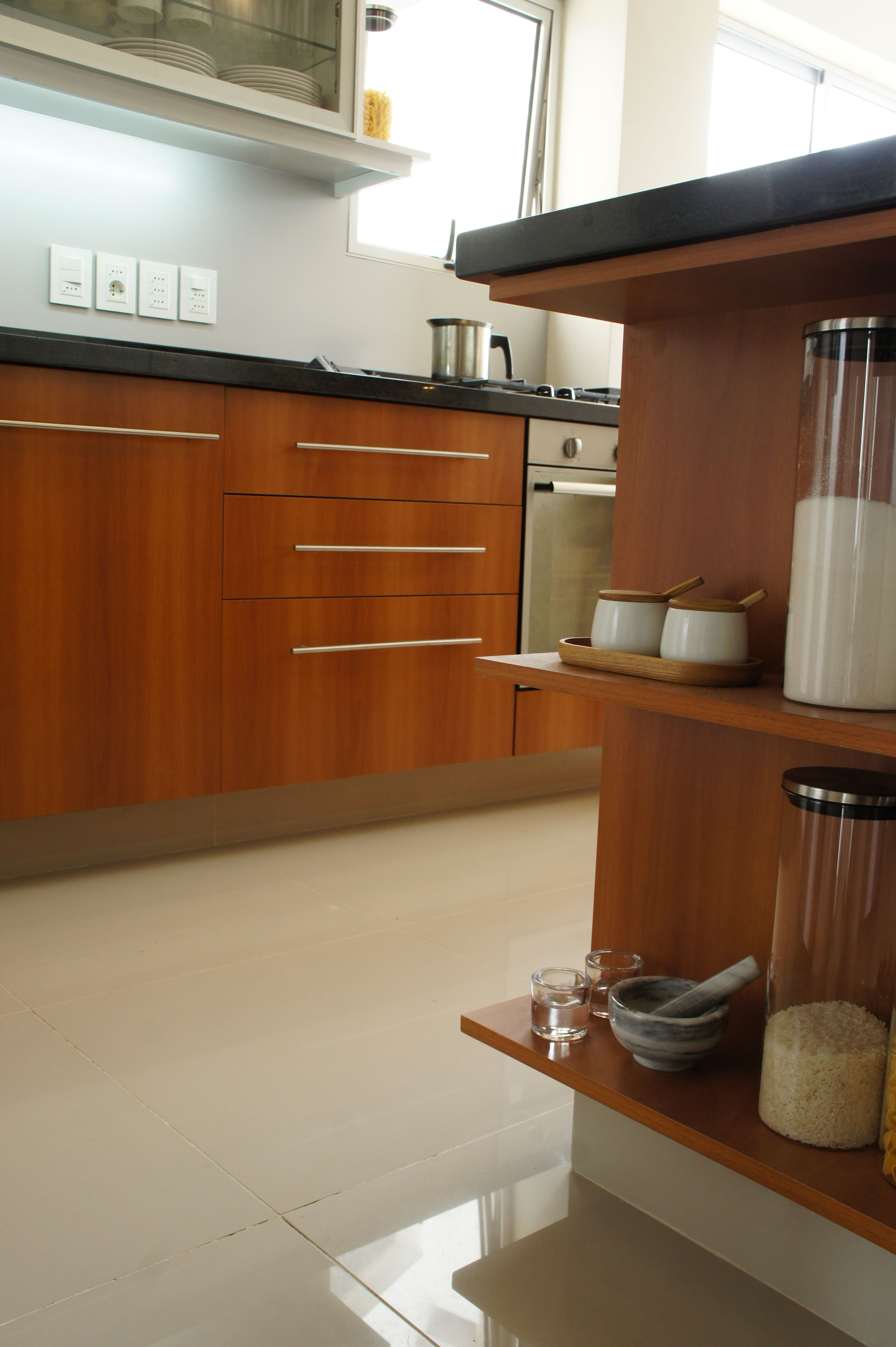 Grupo3 Cocina Nogal Brianza Detalle De Modulo Abierto Kitchen Cabinets Kitchen Home Decor