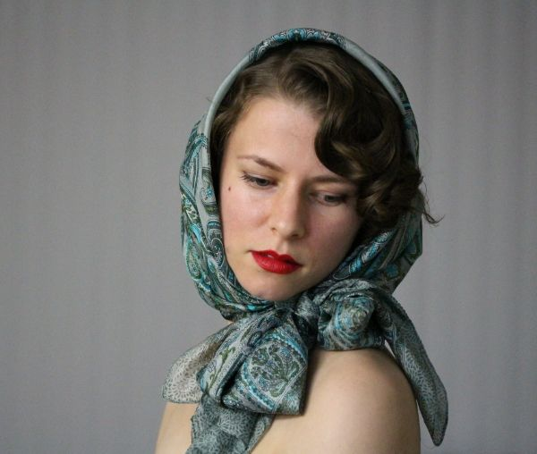 Thursday Thrill Vintage Hooded Scarf Tutorial Scarf Hairstyles