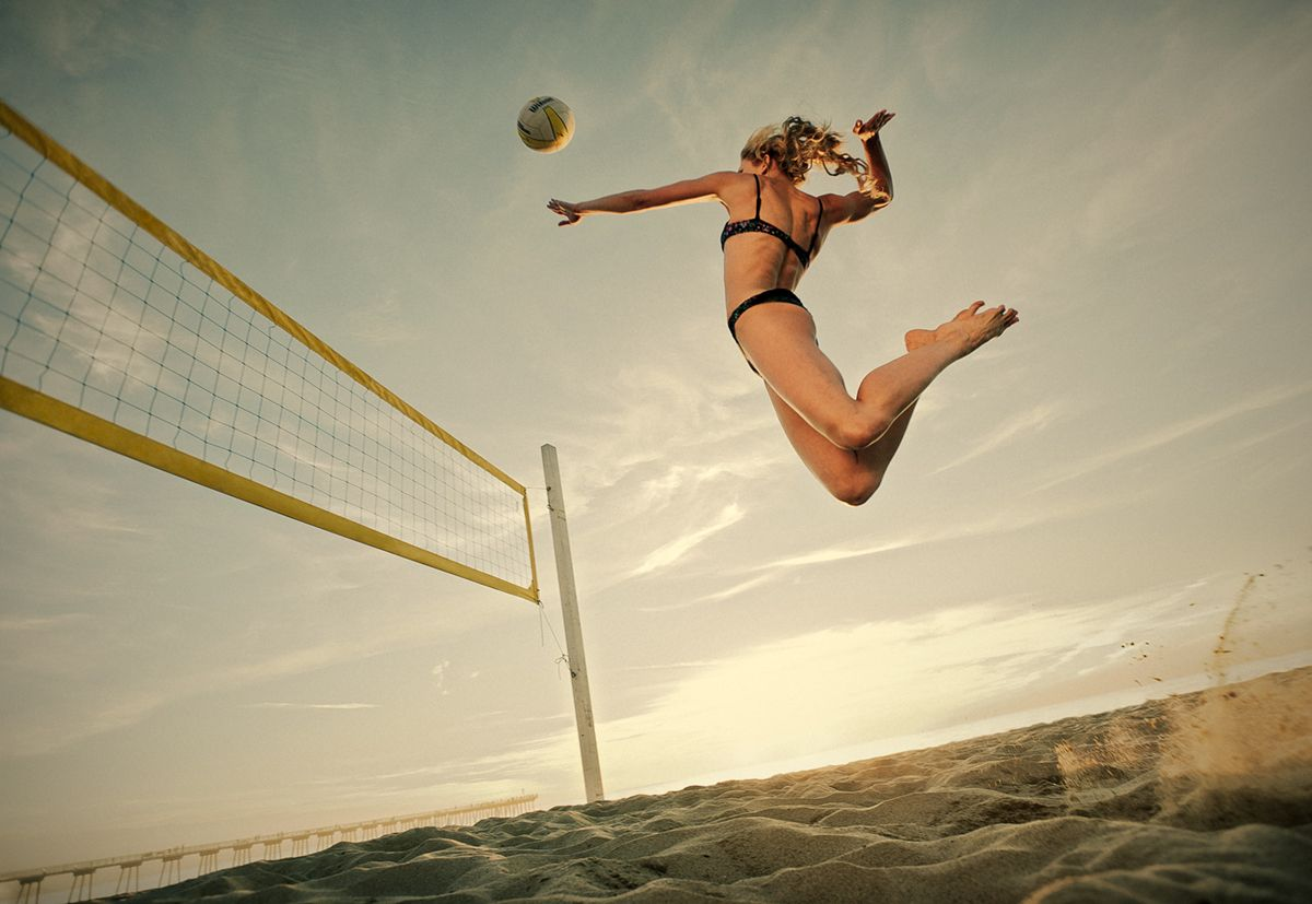 If You Have Heard About Vert Shock Then You Woulddefinitely Be Interested In Knowing Whether This Program Really Wo Beach Volleyball Volleyball Camp High Jump