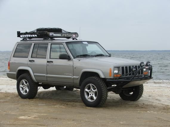 I Like The Subtleness Of This Lift Jeep Cherokee Sport Jeep Xj