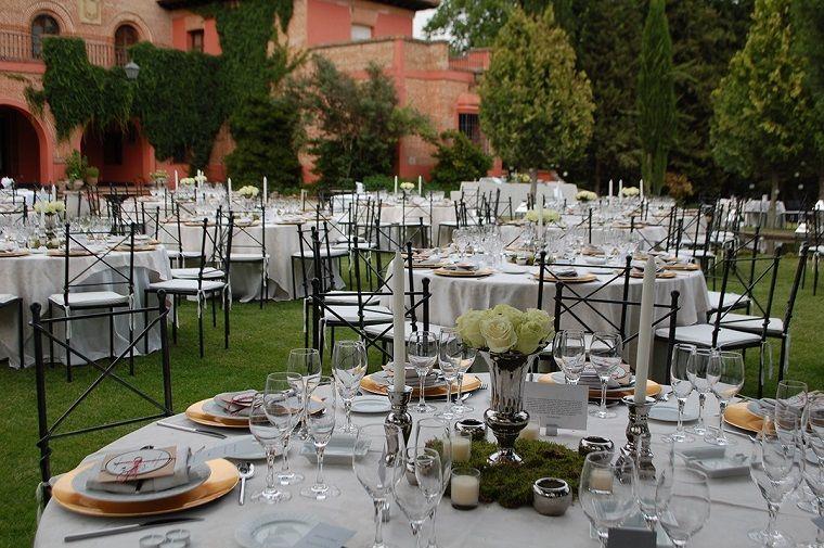 centro de mesa simple para decorar la mesa en boda Decoración para