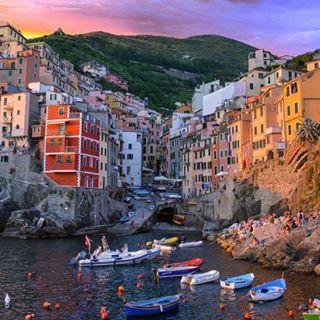 Dieser göttliche Sonnenuntergang über Cinque Terre. | 27 Bilder, bei denen Du sofort Fernweh bekommst