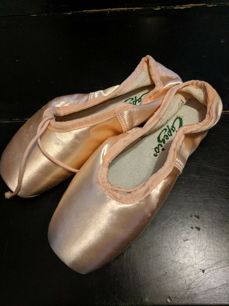 Capezio Womens 176 Contempora Pointe Shoe