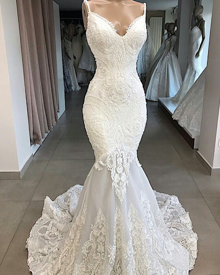 Form Fitting Wedding Gowns: Pin By Hannah Mackay On Wedding Things In 2019