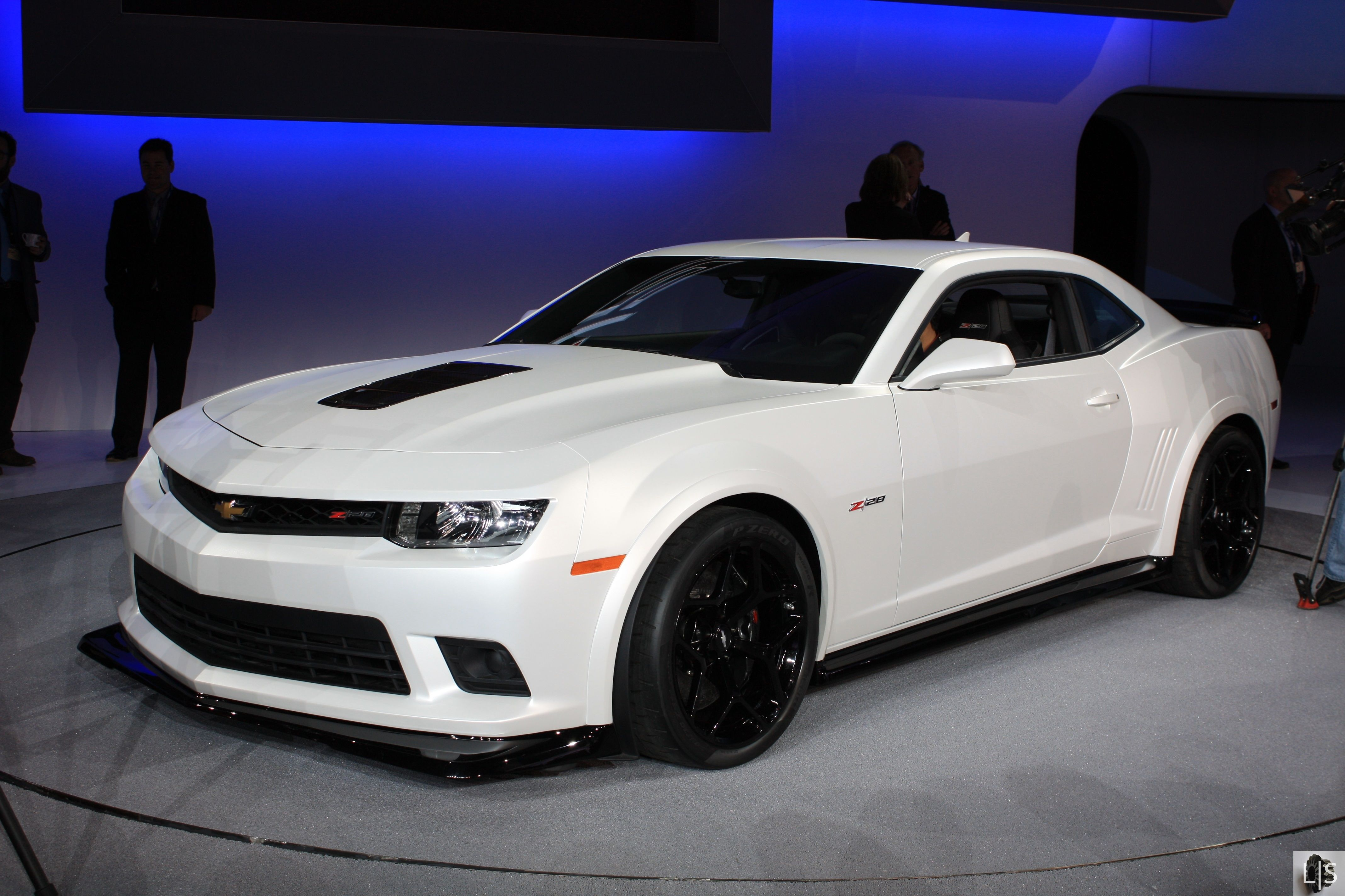 2015 Chevy Camaro Vs 2015 Ford Mustang Vs 2015 Dodge