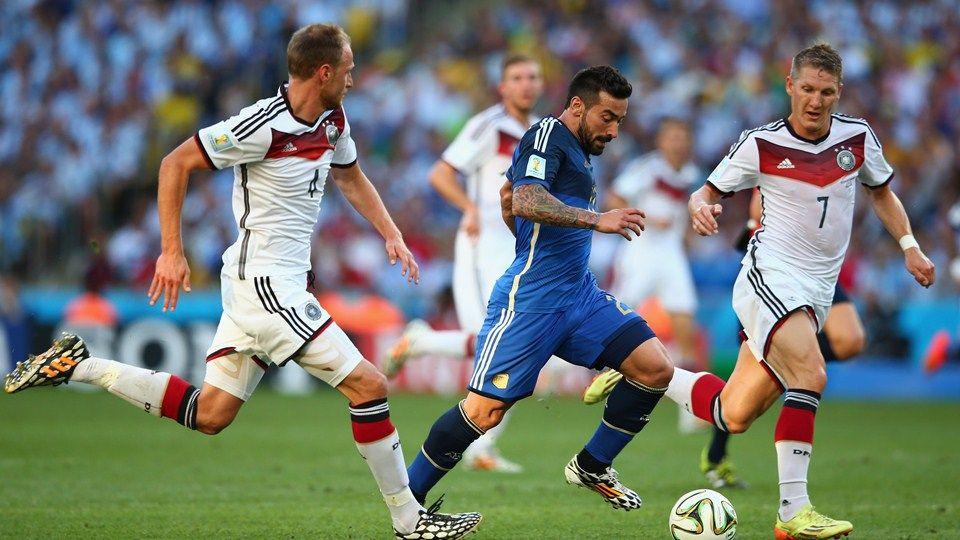 2014 Fifa World Cup Photos Fifa Com Fifa Schweinsteiger Bastian Schweinsteiger