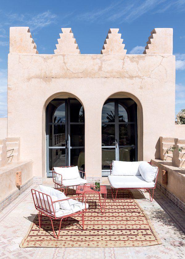 une maison marocaine typique et moderne terrasse et balcon terrace and balcony pinterest. Black Bedroom Furniture Sets. Home Design Ideas