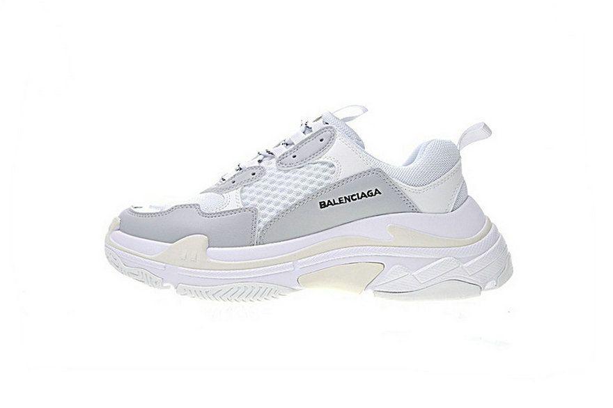 Pin su Pantofole, Scarpe e scarpiere