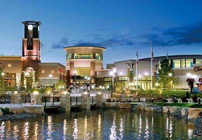 Des Moines Shopping >> Jordan Creek Town Center In West Des Moines Iowa Born And Raised