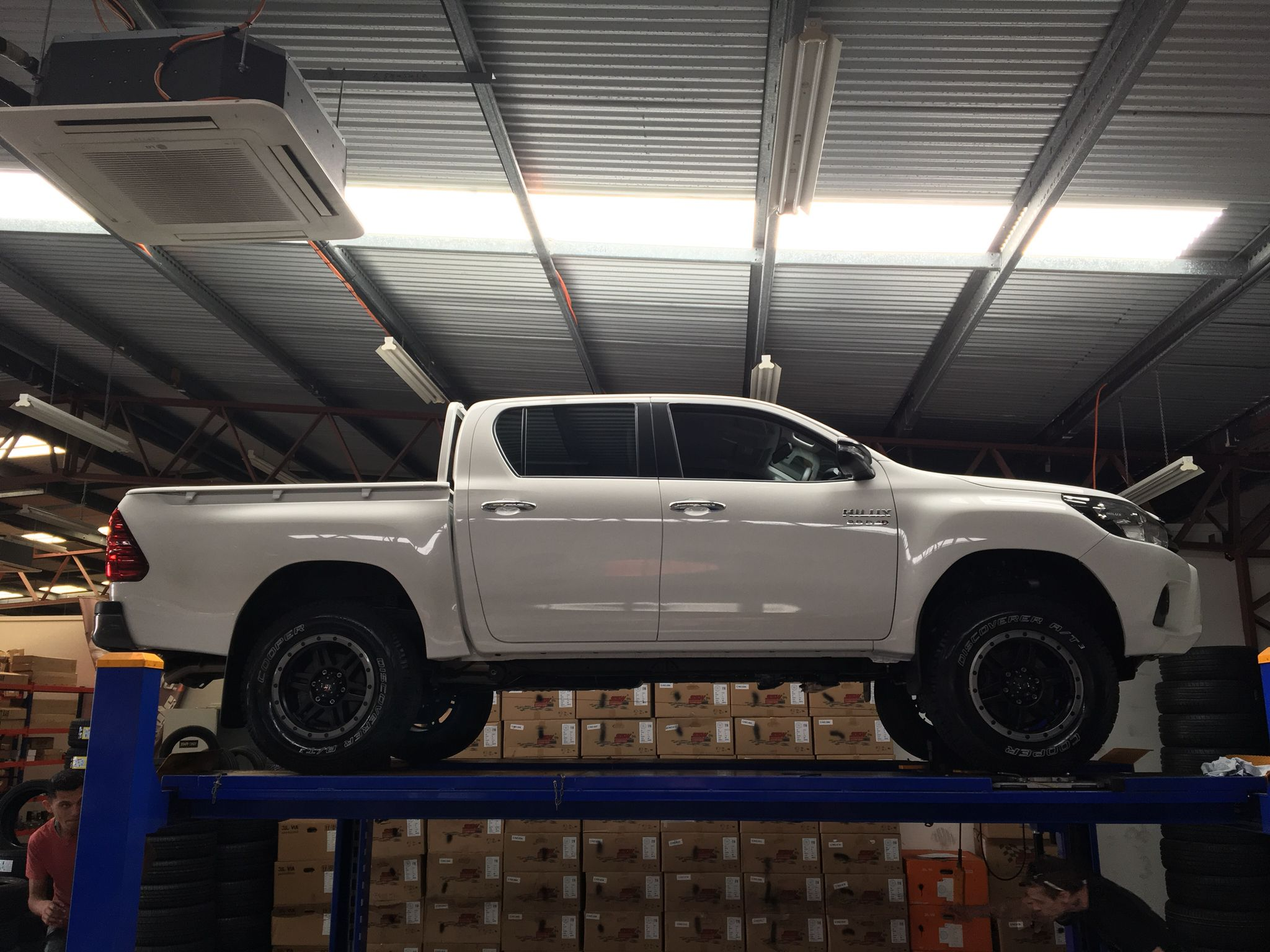 2016 Toyota Hilux Australian Sr Double Cab Pickup 2 Inch Front