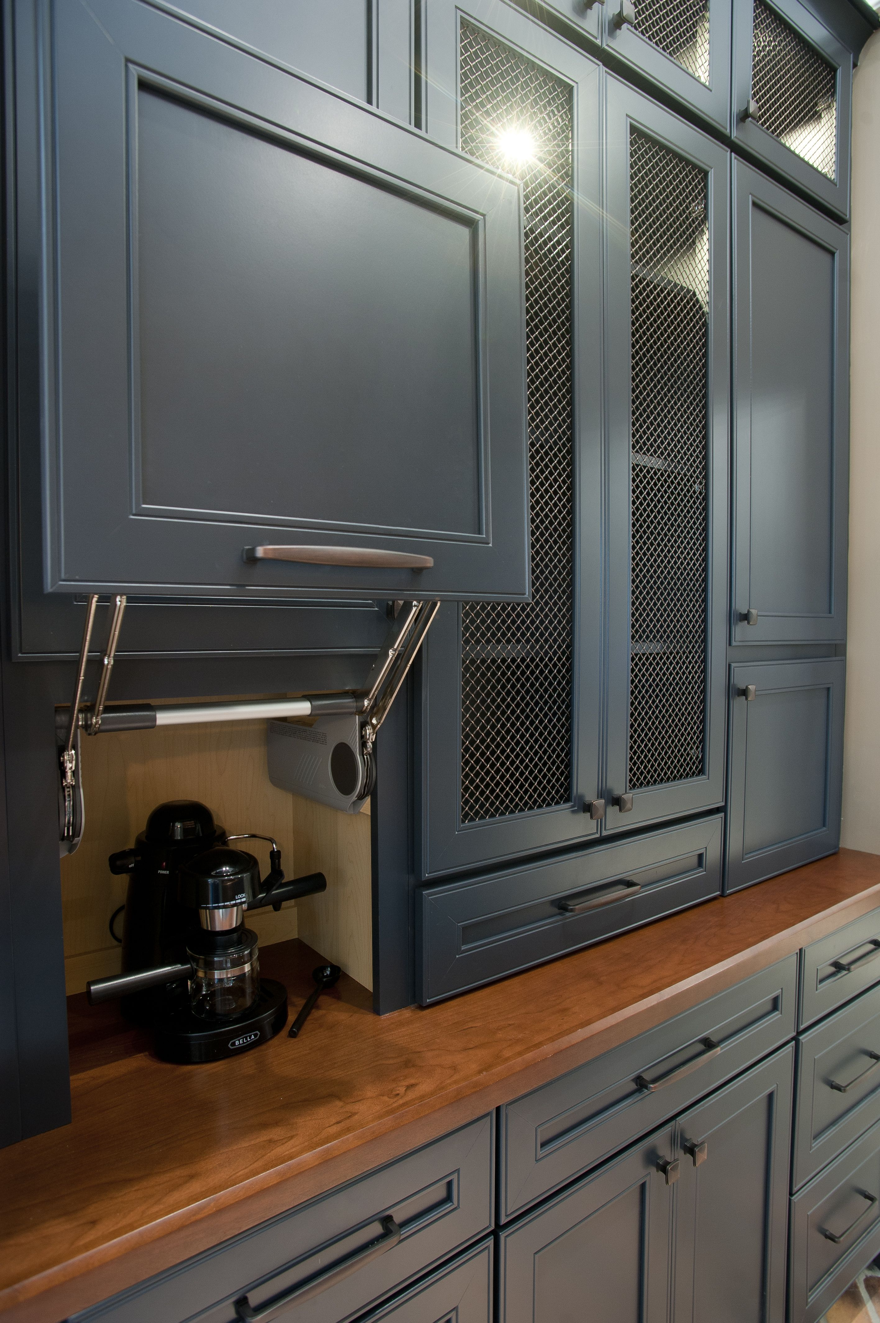 Butler Pantry And Bar Hidden Espresso Machine Utilize