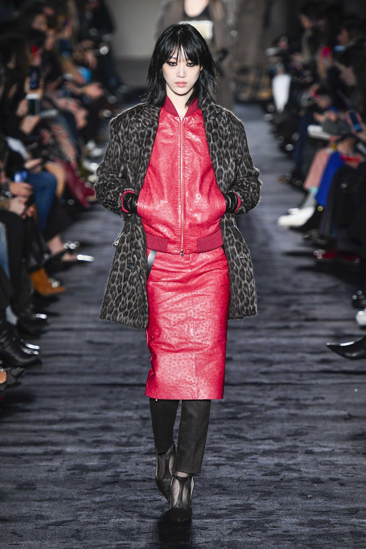 5cc72e468a Max Mara Fall 2018 Ready-to-wear Milan Collection - Vogue