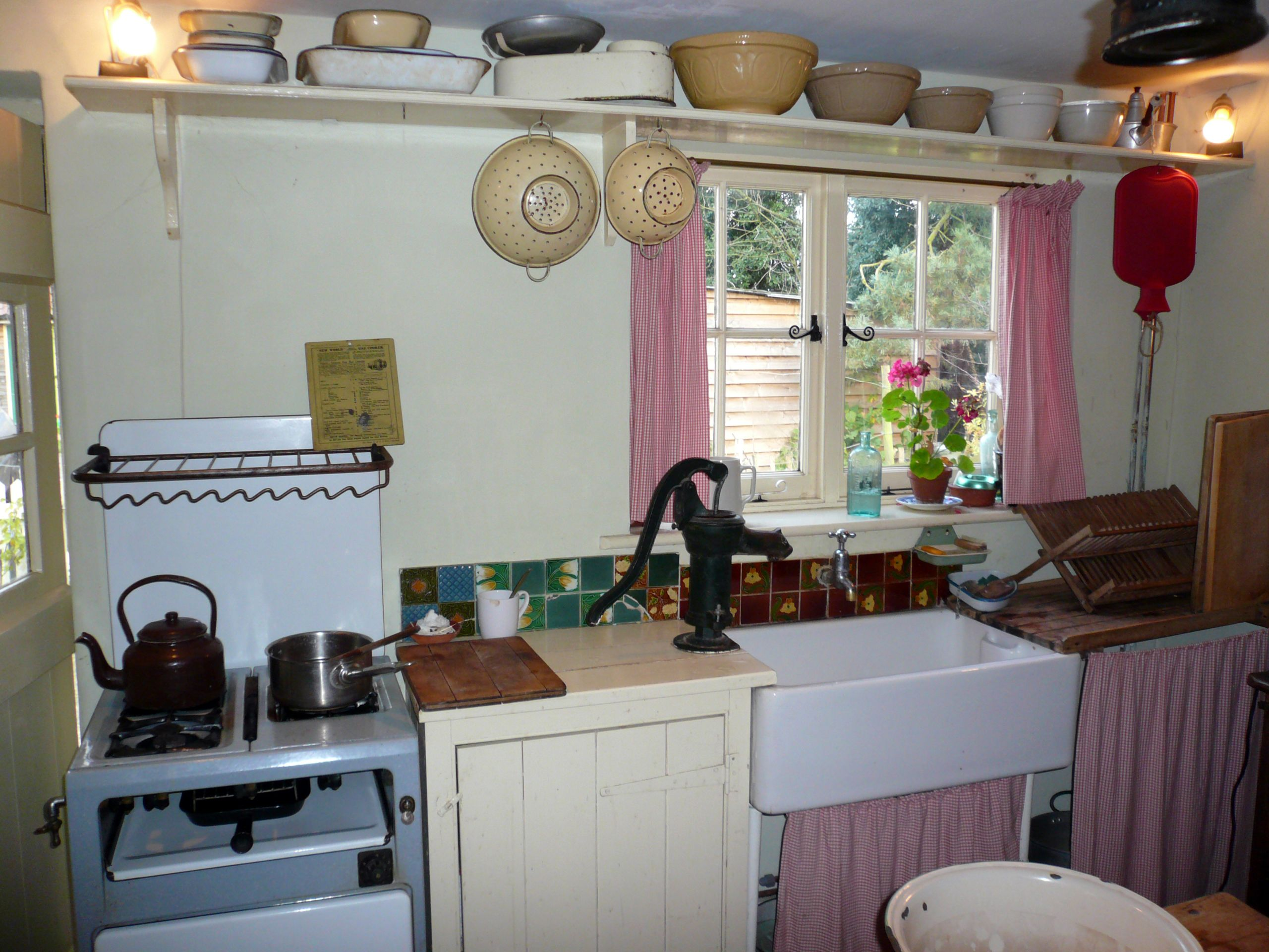 1940s Kitchen: NEN Gallery
