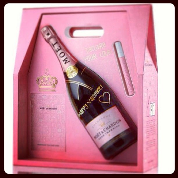 Photo By Bectredwell Moet Chandon Champagne Moet Rose