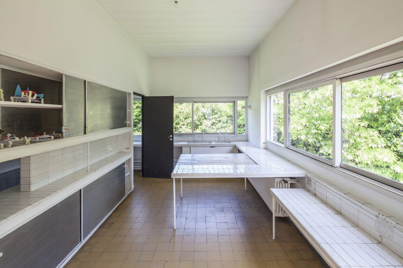 Villa Savoye, Le Corbusier's machine of inhabit | VILLA ...