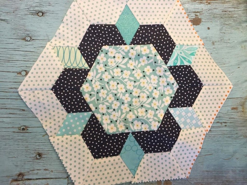 Smitten pattern by Luch Kingwell - quilt block | Quilt Blocks and ...