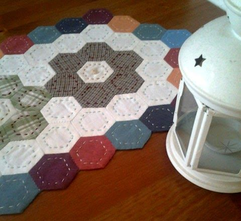 HEXÁGONOS, CAMINO DE MESA, PATCHWORK | Hexagon quilting and Patchwork