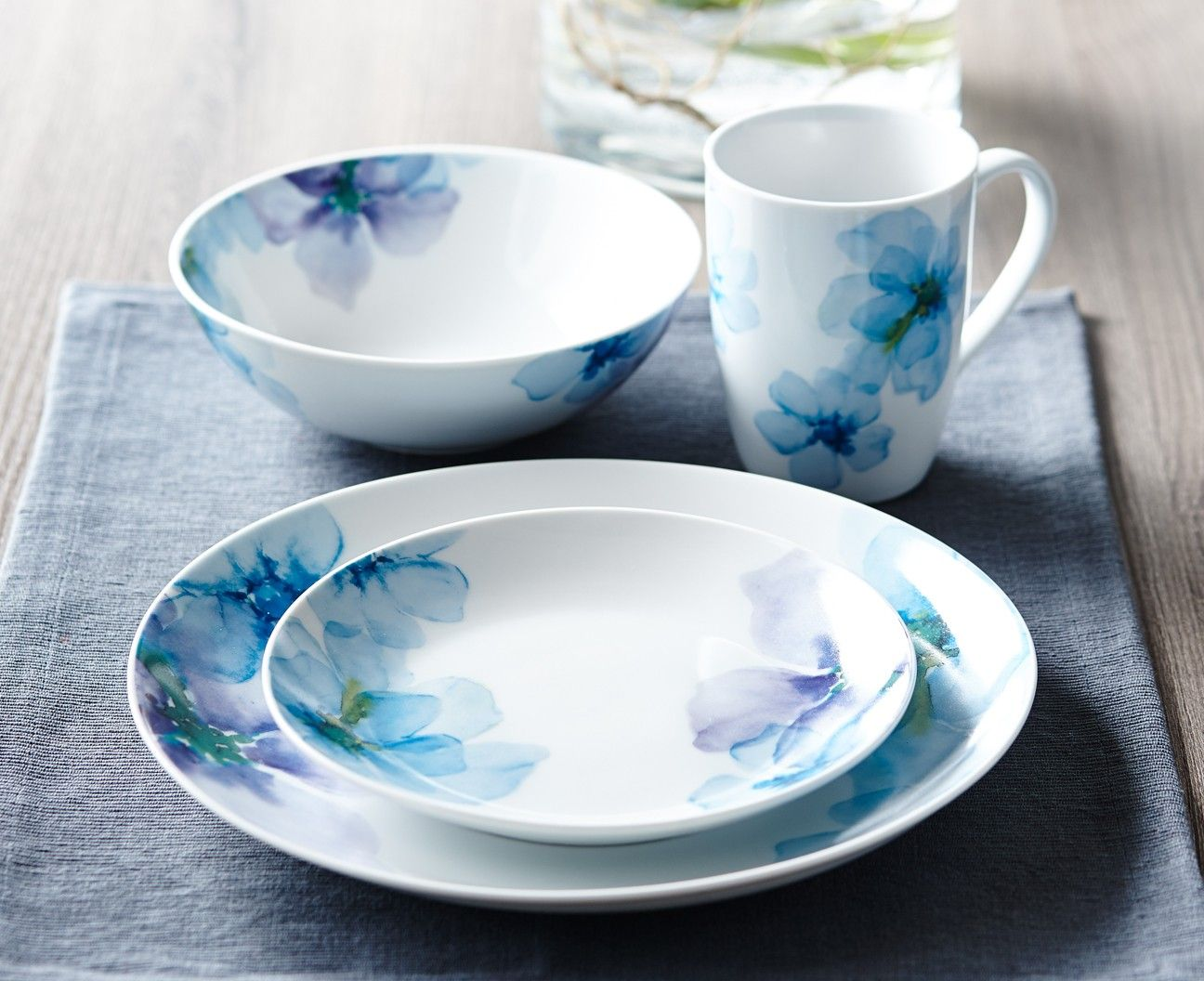 BLUE BLOOM dinnerware set 16 PC (SERVICE FOR 4) | Stokes Inc. Canadau0027s Online Kitchen Store & BLUE BLOOM dinnerware set 16 PC (SERVICE FOR 4) | Stokes Inc ...