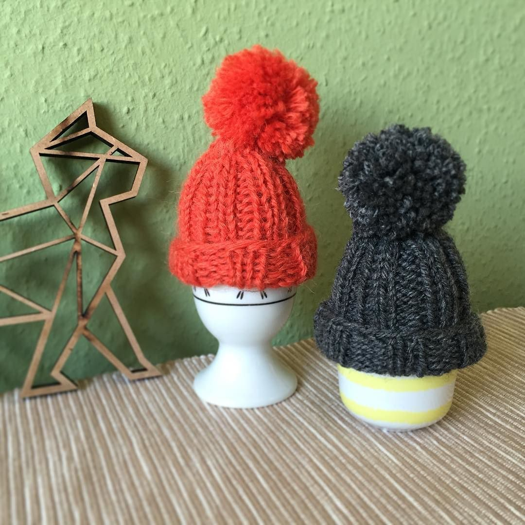 A quick #knit: #eggwarmer #eierwärmer #breakfast Left over cap #cap #merino #strips #knit #knitting #stricken #strik #yarn #garn #wolle #knittersofinstagram #yarnlove #diy #selbstgemacht #selfmade #handgemacht #ravelry #knitlove #strikking #handknit #knitstagram #knits #strikking #strikk #strikket #nevernotknitting #håndarbeid by sp_knittings