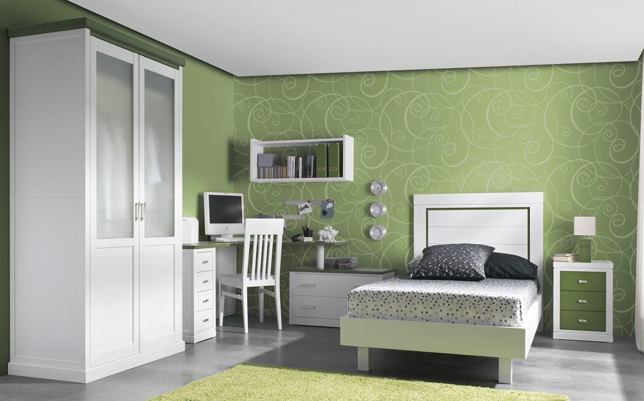 Dormitorio juvenil de madera con mesa escritorio en - Mesas de dormitorio ...