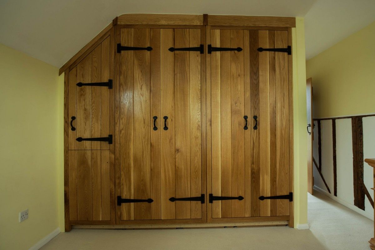 Oak fitted wardrobes, Waterhall Joinery Ltd (With images ...