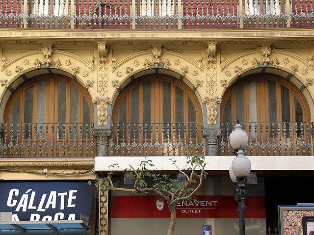 Edificio Caturla. Obra de Juan Vidal y Julio Ruíz Olmos. Rambla de Méndez Núñez. Alicante
