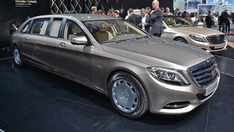 Mercedes Rolls Out The Long Red Carpet For New Maybach S600 Pullman W Video Mercedes Benz Maybach Maybach Mercedes Maybach