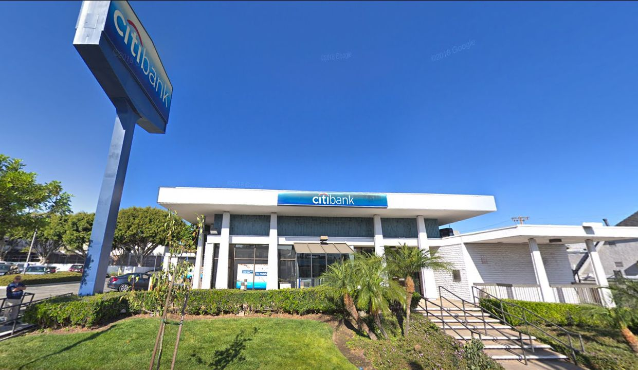 Citibank San Pedro Branch Is One Of The Bank S 717 Offices And For Over 85 Years It Has Met The Financial Needs Of Its Customers In Los An San Pedro San Pedro