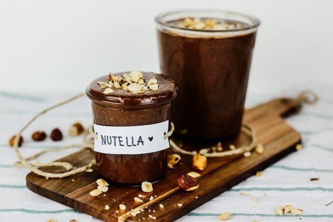 Man sollte immer ein paar Gläser selbstgemachte Nutella zu Hause haben, damit man immer ein kleines Präsent in der Hinterhand hat.