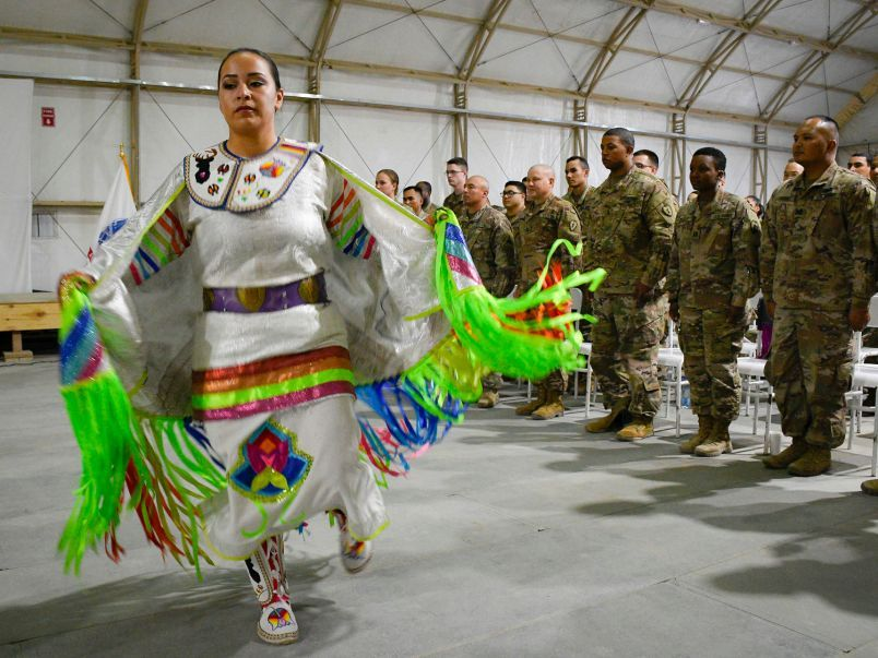 Native American Soldiers Celebrate Their Heritage At Powwow In Kuwait American Soldiers Pow Wow Native American