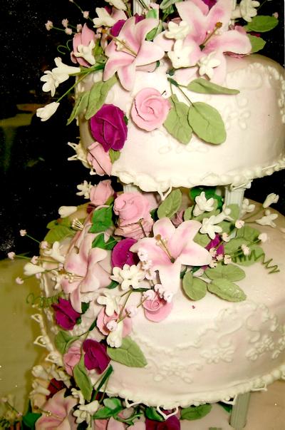 Cake design from underbrinks.com