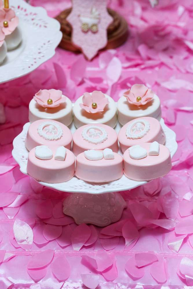 Pink Chic Baby Shower Baby Shower Party Ideas Chic baby, Baby - baby shower nia