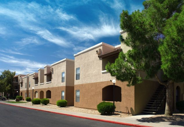 Ranchwood Apartments In Glendale Az Terracotta Tiled Roofs And Arched Entrances Are The