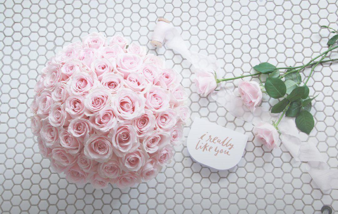 Lover Bloom Box in 2020 Online flower delivery, Flower