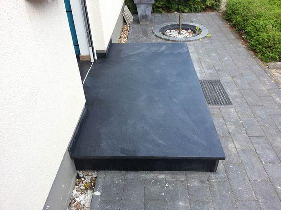 nero assoluto granit eingangspodest au enbereich eingang podest und hauseingang. Black Bedroom Furniture Sets. Home Design Ideas