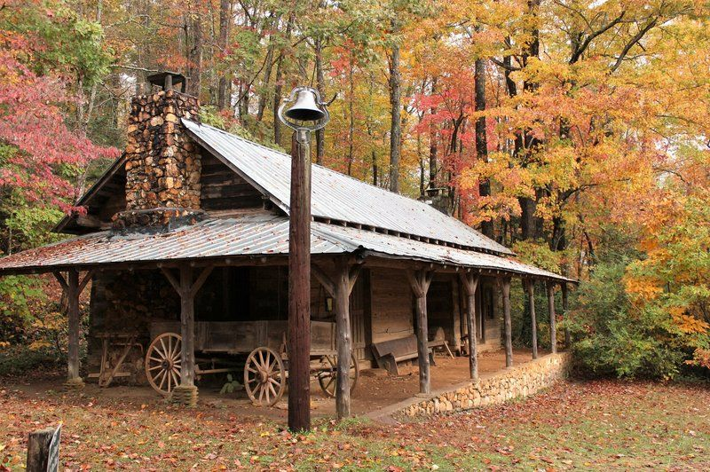 For 50 years, high school students in Rabun County have chronicled their region's disappearing traditions and mountain people, from blacksmiths to moonshiners, in publications and a living museum.The buildings at the 106-acre Foxfire Museum & Heritage Center near Black Rock Mountain in northern Georgia were all moved from their original locations or built from scratch using traditional techniques.