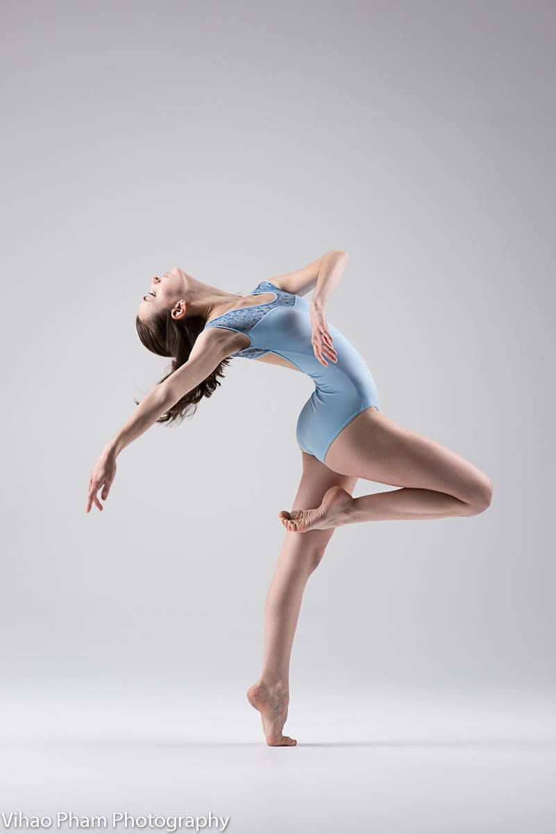 Jessie Novakovich The Akhmedova Ballet Academy Silver Spring Montgomery Maryland Usa With Images Ballet Academy Dance Poses Dancer Pose