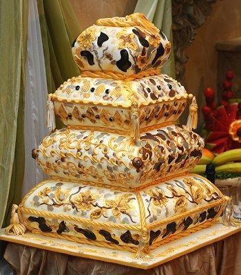 Crazy wedding and Wedding cake