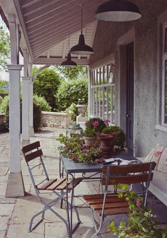 The Apple Market: English house tour : Haven on the Valley