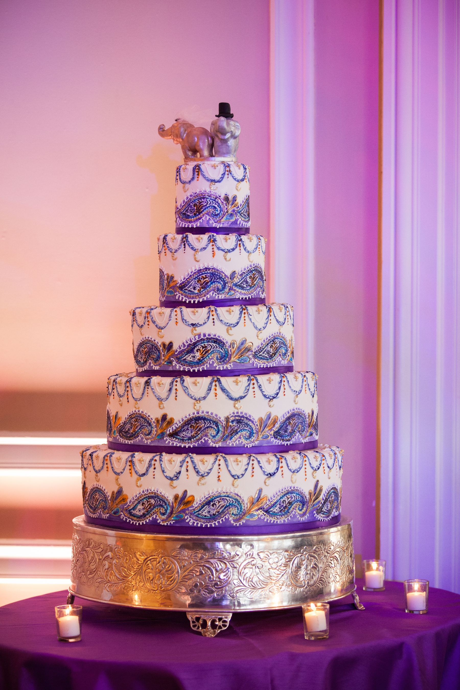 Aarti And Sarin S Wedding At Oheka Castle By Lindsay Landman Events Photo Sofian Llevents Indian Purple Cake Elephants