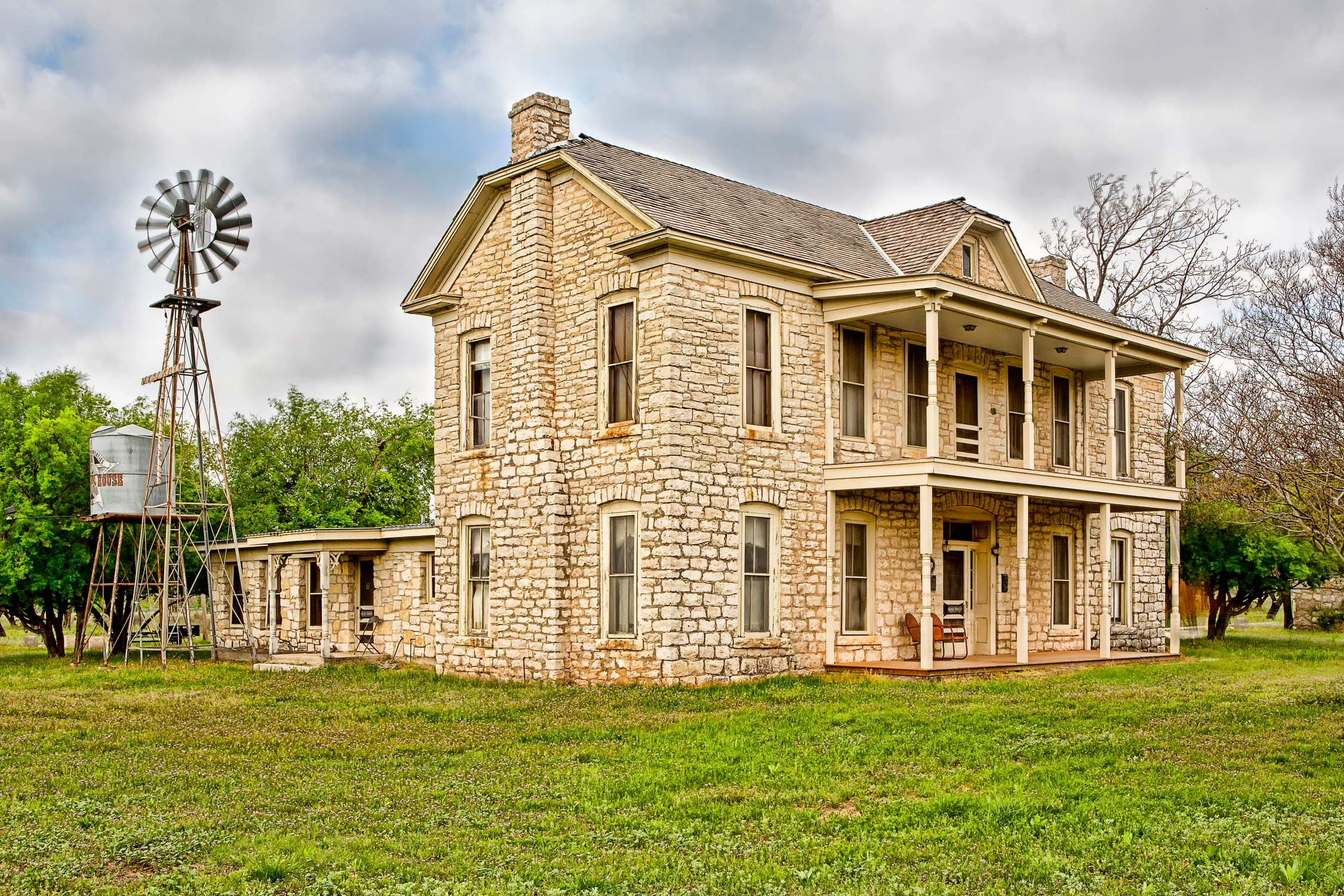 old texas ranch house of granbury texas by terrytheissphotography rh pinterest com