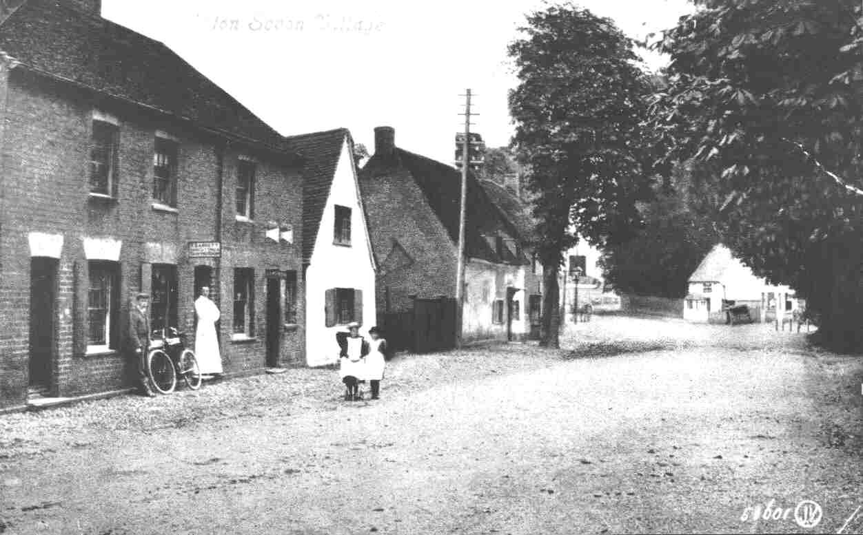 Children Standing In The Road Outside The Waggon And Horses And Old Sun Public Houses In Eaton Socon About 1910 Eaton Socon Street View Village